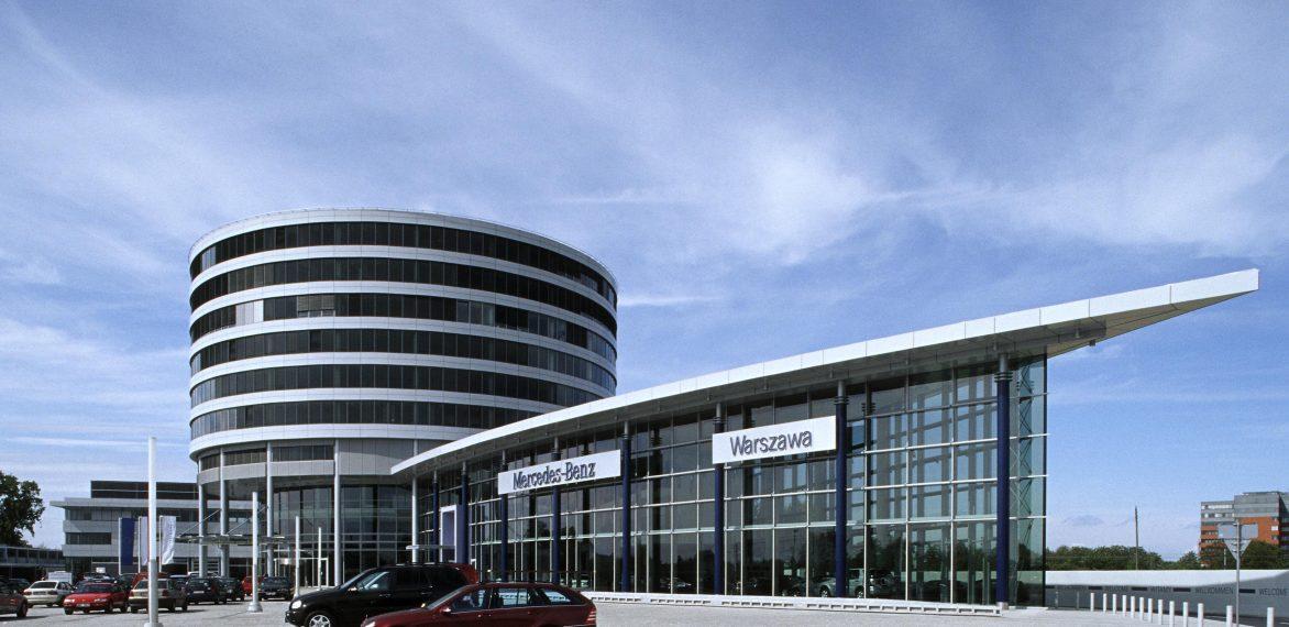 Widok budynku firmy DCI Daimler Chrysler